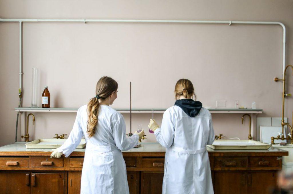 Dygestoria laboratoryjne